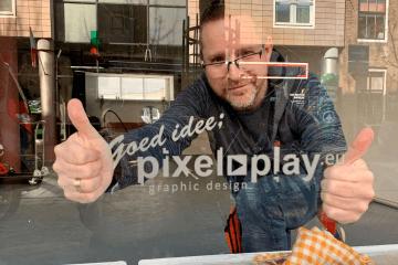 PixelPlay belettert